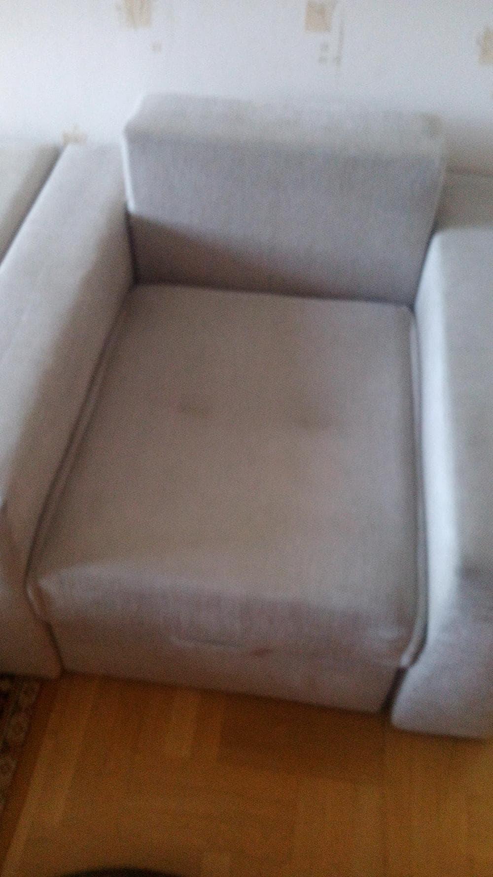 кресло после уборки квартир